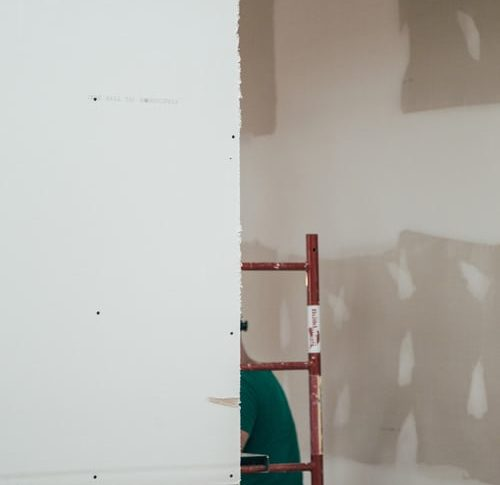 Hiring a professional renovation service for your needs today: the major benefits!